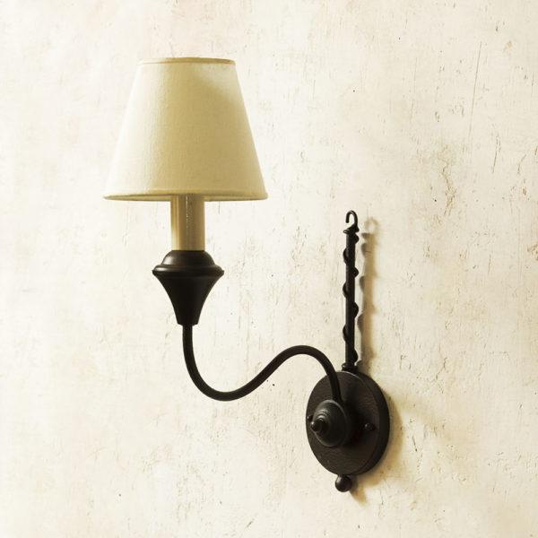 đèn tường 2005