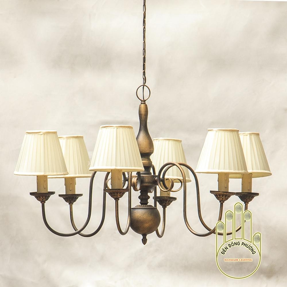 đèn chùm sắt cổ điển gắn chụp vải xếp ly